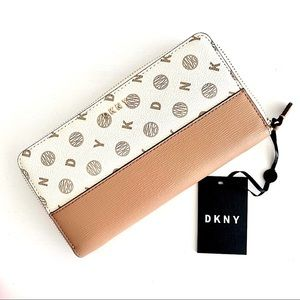 🆕 DKNY Large Zip Around Wallet